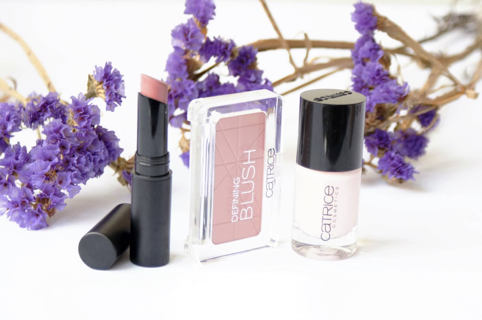 Catrice Ultimate Stay Lipstick (050 Mauve Your Lips) Catrice Deifining Blush (080 Sunrise Avenue) Catrice Nail Lacquer (51 I'm so aNude)