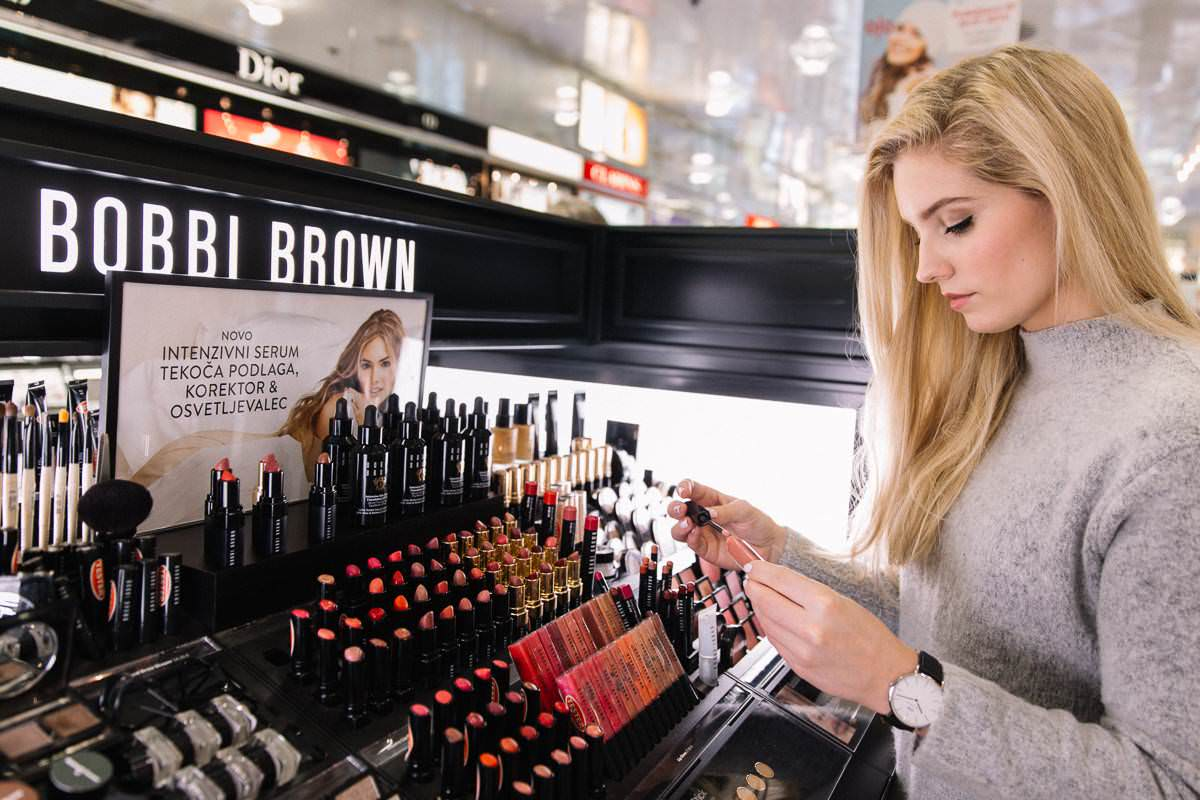 Bobbi Brown counter