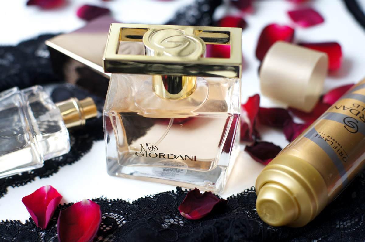Giordani Gold perfume