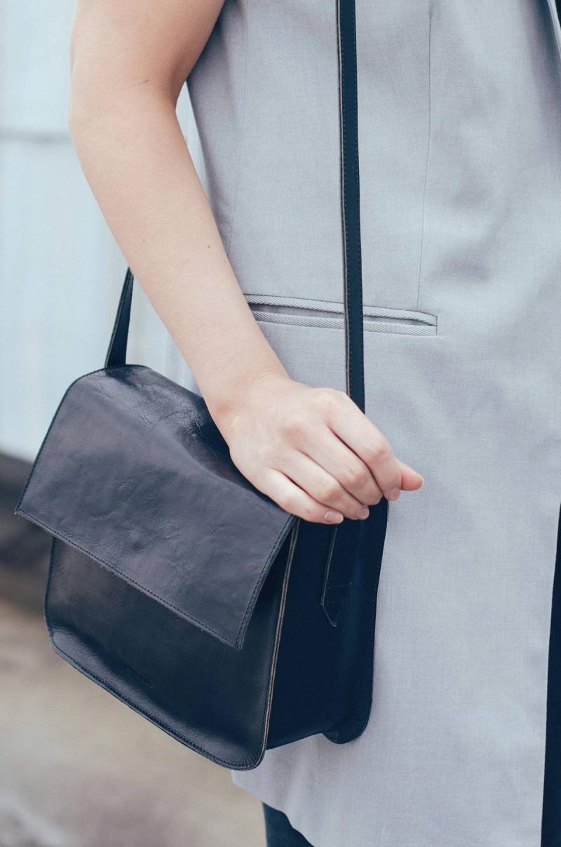 minimalistic outfit fashion blogger