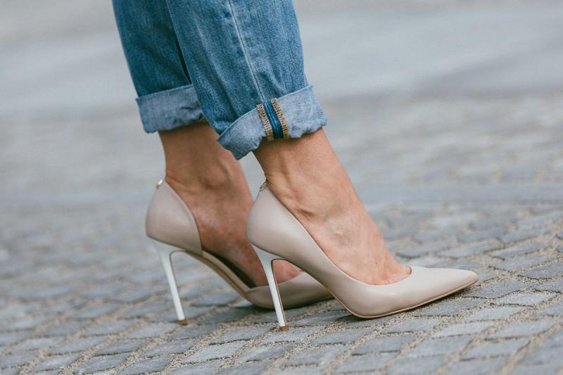 Čevlji z visoko peto, ki jih mora imeti vsaka
