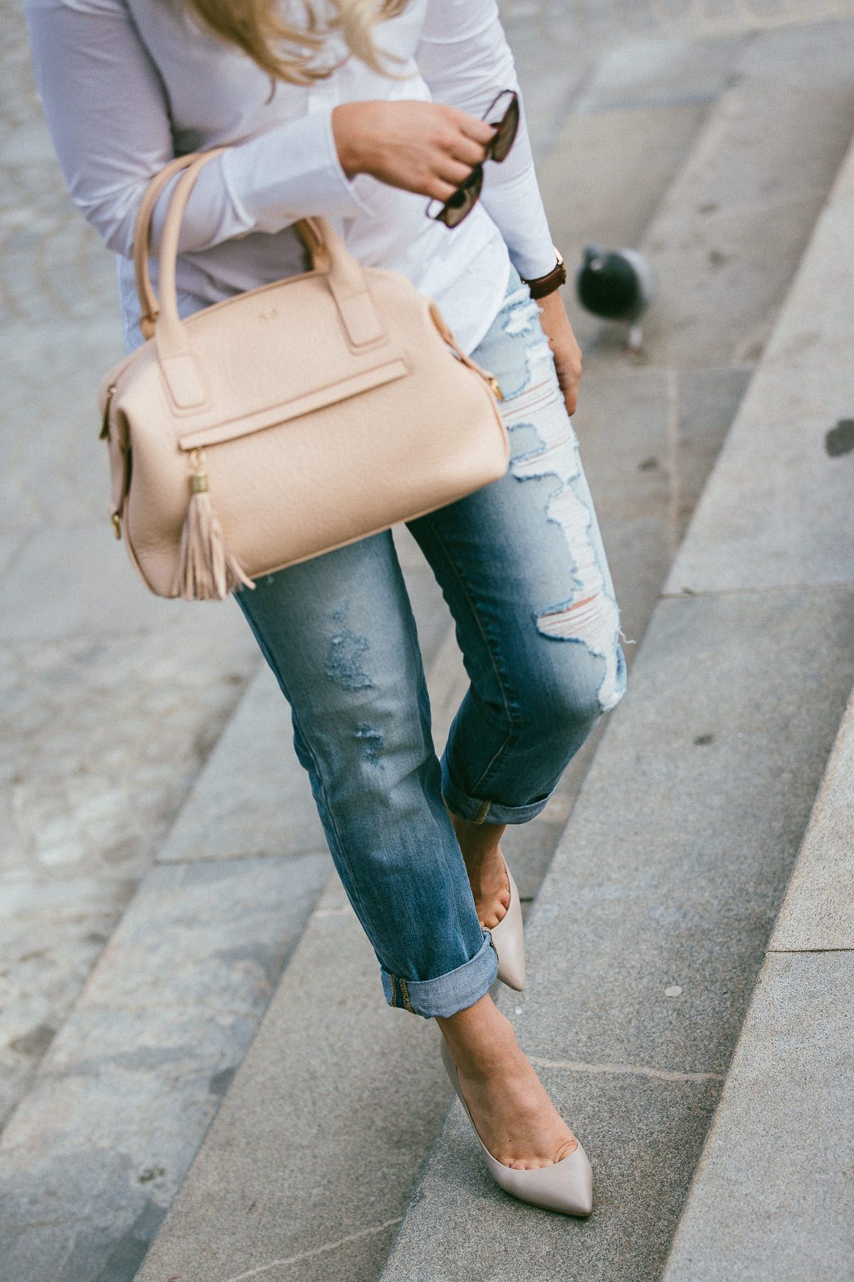 nude pumps fashion blog