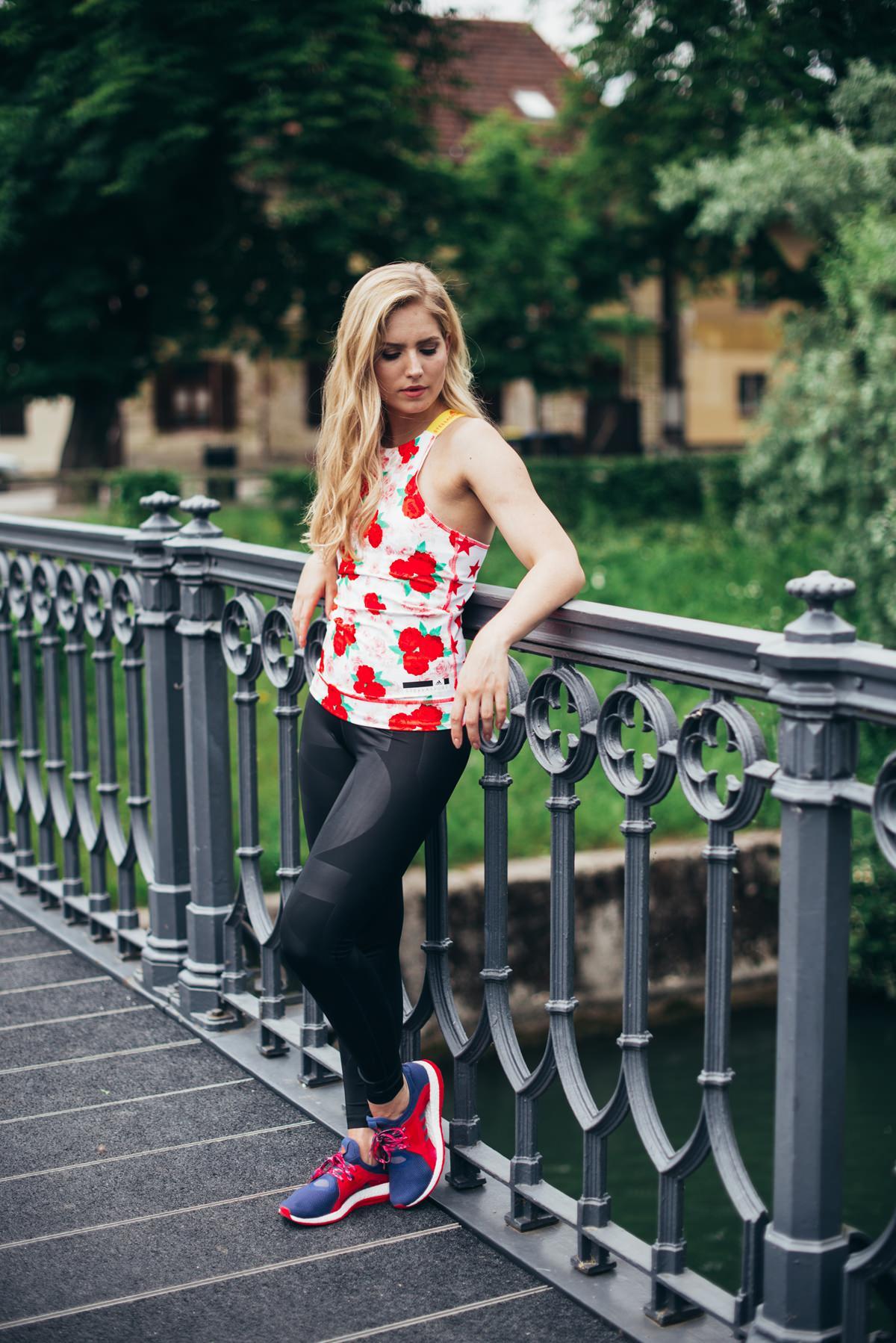 Adidas fashion blogger