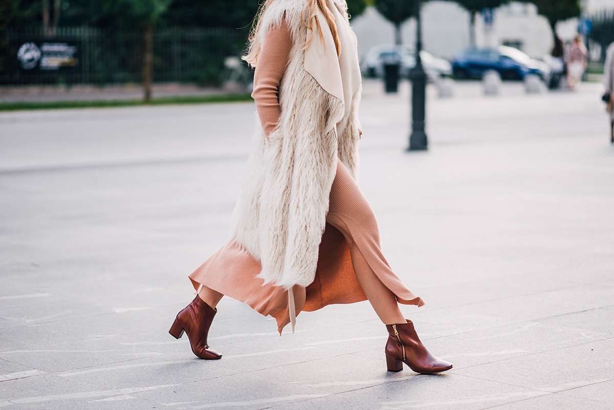 faux-shearling gilet outfit