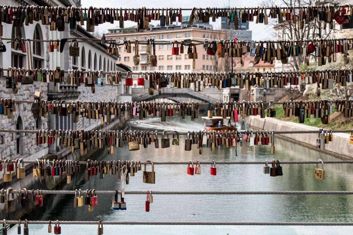 Mesarski most ključavnice