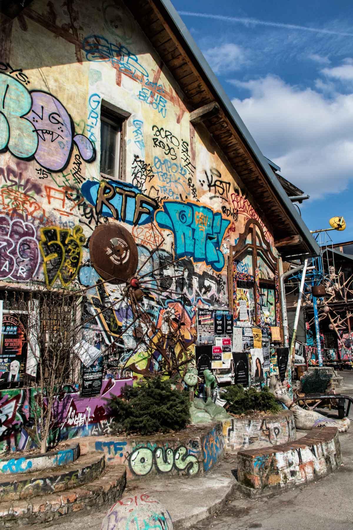 Metelkova grafiti