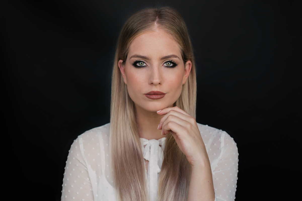 reverse eyeliner video