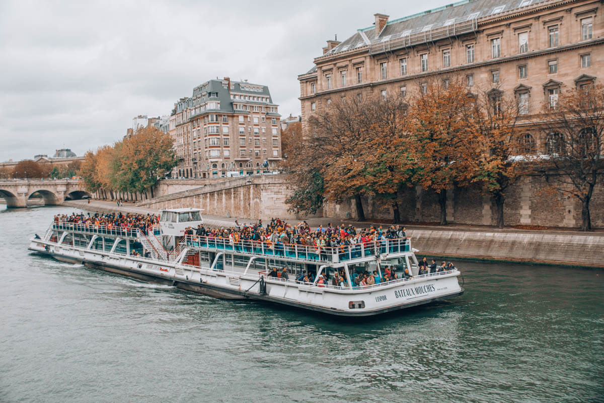 river Seine Paris travel guide